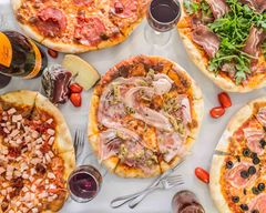 Giovannis Snack Bar and Pizzeria