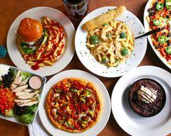 Boston's Restaurant & Sports Bar (191 W Nationwide Blvd)