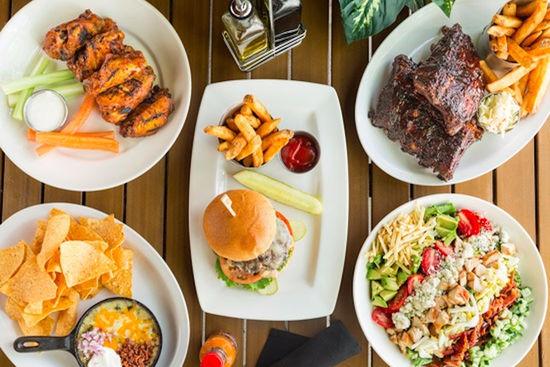 Bokampers Sports Bar & Grill (Estero)