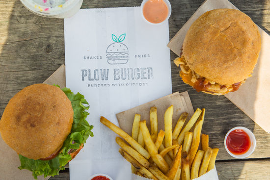 Plow Burger (Riverside)