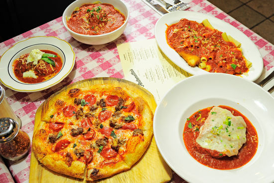 Nino's Family Restaurant (16 S Main St)