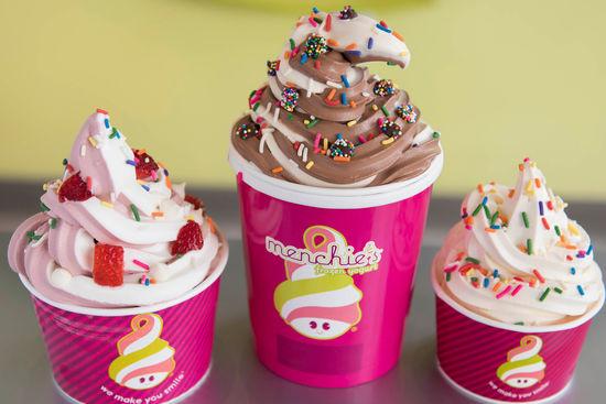 Menchie's Frozen Yogurt (40557 California Oaks Rd)