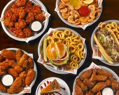 Hooters (Spring Valley)