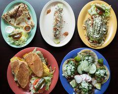 Tortas Y Tacos La Chiquita (Arlington)