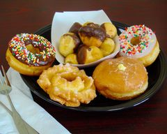 Happy Donut (College St)