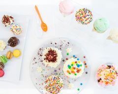 B Cupcakes