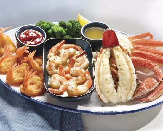 Red Lobster (5825 Padre Island Dr.)