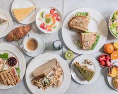 Luza's Breakfast, Lunch and Coffee - van Woustraat