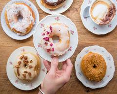 COCO Donuts - Janson