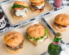 Stout Burgers & Beers - Hollywood