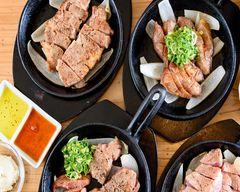豚ステーキ&牛タンステーキ 十一 六本松店 Pork steak & Beef tanger steak Toichi  Ropponmatsu Store