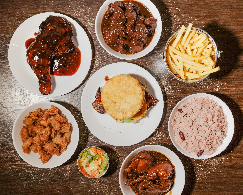Get Backyard Grill Restaurant Gif - HomeLooker