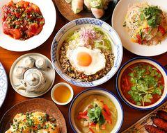 ベトナム&アジアンレストラン マッチョイ Vietnam & Asian Restaurant Mattroi