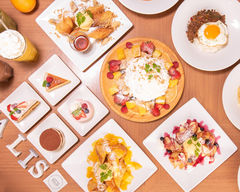 スイーツ&ミールズ カフェ バリーズ Sweets & Meals Cafe VALI'S