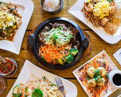 Topthai Restaurant & Sushi Bar
