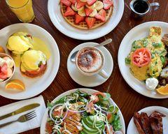 Lynn and Lu's Escapade Cafe