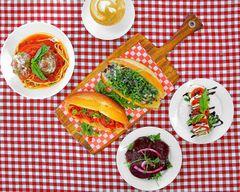 Lina's Italian Market