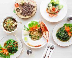 Subhannahong Royal Thai Cuisine