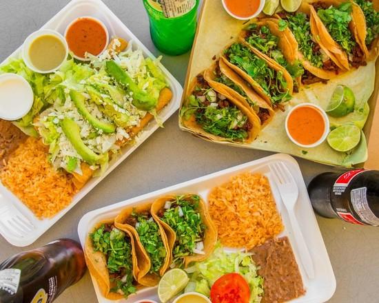 Cesar's Tacos - 2919 W Davis